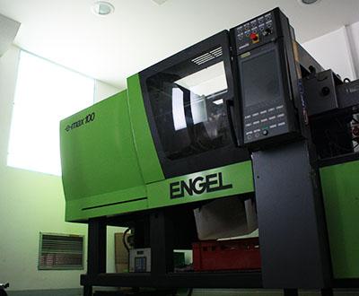 engel e-max, stroj za brizganje plastike